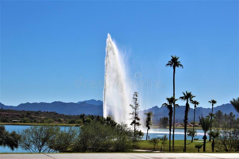 Vattenspringbrunn p? springbrunnkullar, Maricopa County, Arizona, F?renta staterna arkivbilder
