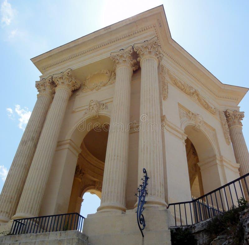 Vattentorn i promenad du Peyrou, Montpellier, Frankrike arkivfoto