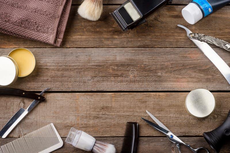 Vax och hårkammar arkivbild