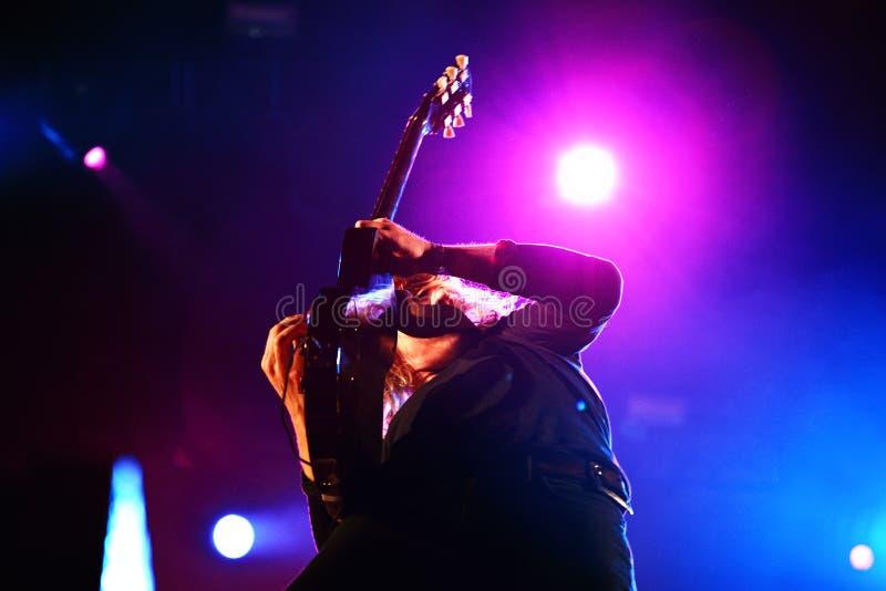 Vaya van actuación en directo de la banda de Berlín en el festival de Bime fotos de archivo