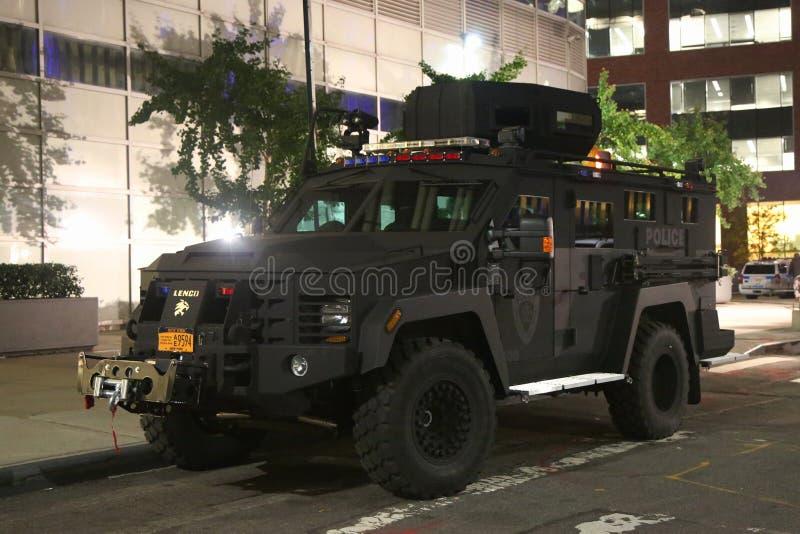 Veículo blindado da polícia da autoridade portuária perto da cena do crime do ataque de terror em mais baixo Manhattan em New Yor imagem de stock royalty free
