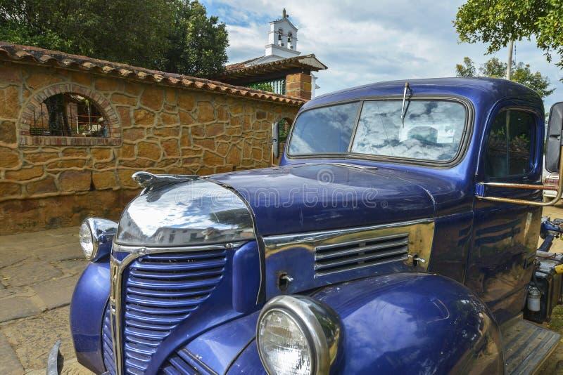 Veículo do vintage em Barichara, Colômbia foto de stock