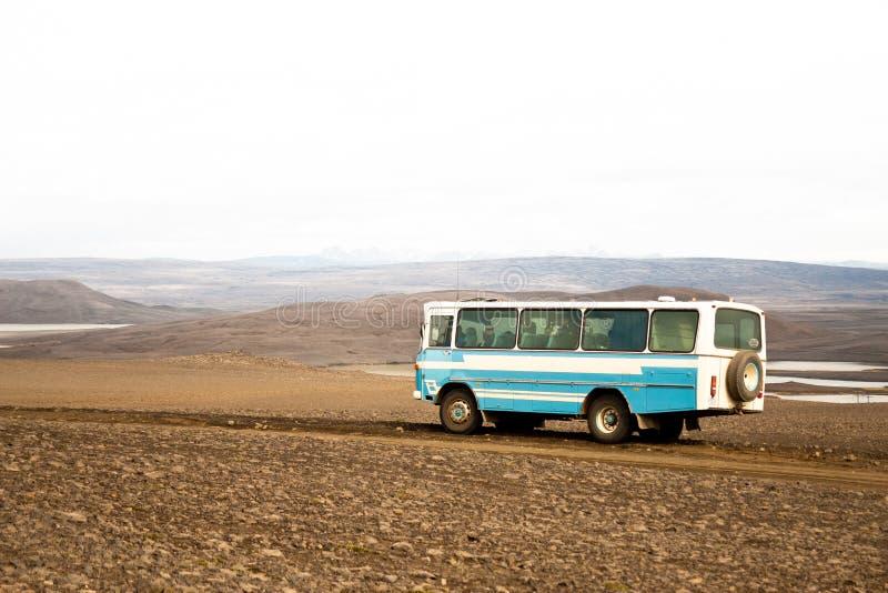 Veículo fora de estrada do ônibus em Islândia imagens de stock royalty free