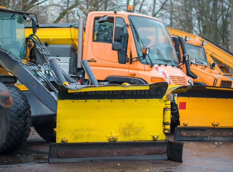 Veículos do serviço do inverno fotografia de stock royalty free