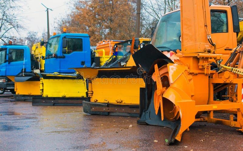 Veículos do serviço do inverno fotos de stock