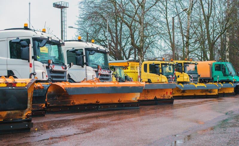 Veículos do serviço do inverno foto de stock royalty free