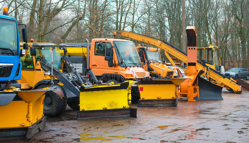 Veículos do serviço do inverno imagens de stock royalty free