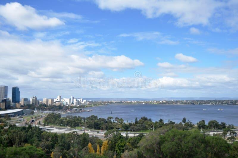 Vea el paisaje y el paisaje urbano de la ciudad de Perth, Australia fotografía de archivo libre de regalías
