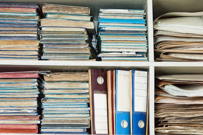 Ufficio Di Registro : Vecchi archivi dellufficio immagine stock immagine di registro