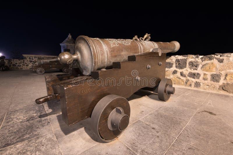 Vecchi cannone e fortezza a Puerto de la Cruz, Tenerife, Spagna immagini stock libere da diritti