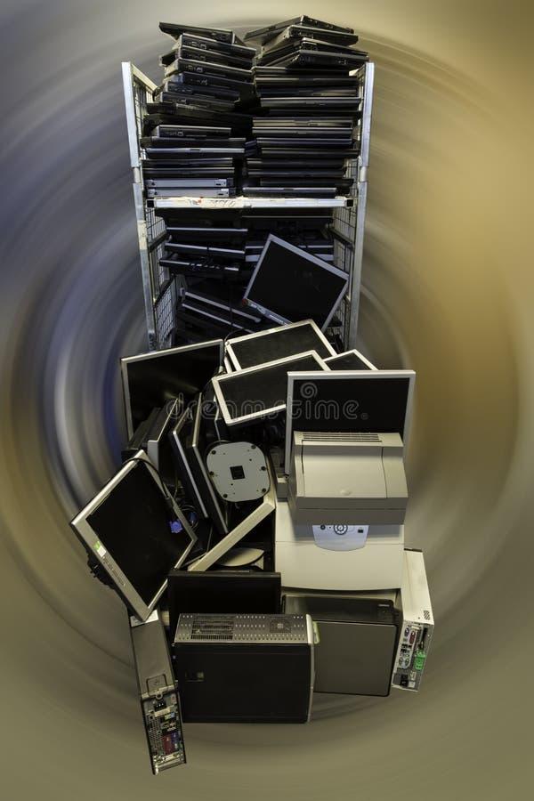 Vecchi computer e computer portatili fotografia stock