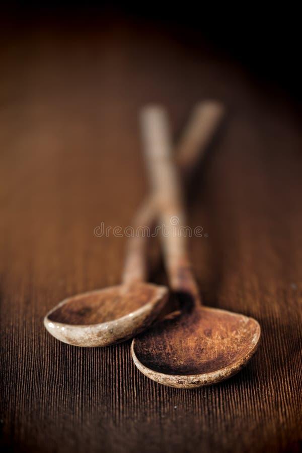 Vecchi cucchiai di legno immagine stock libera da diritti