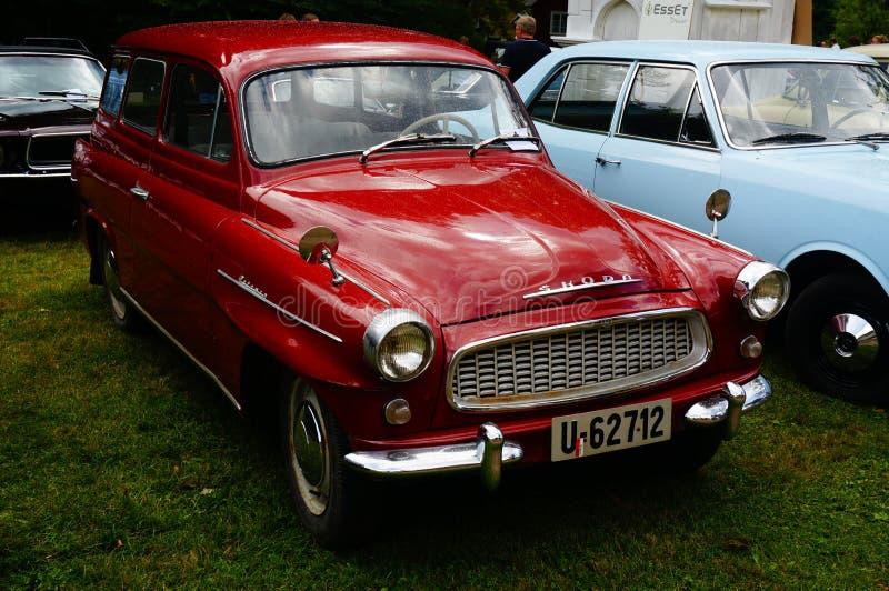 Vecchi dettagli rossi classici dell'entrata dell'automobile fotografie stock
