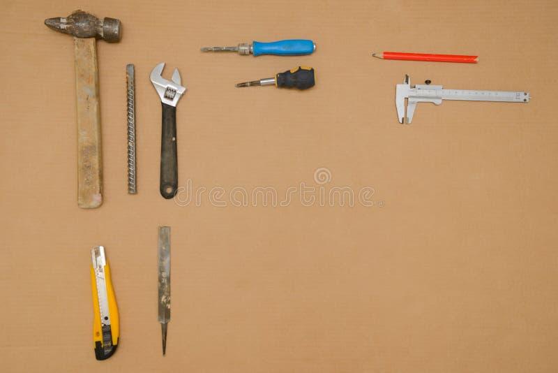 Vecchi e strumenti sporchi vari strumenti fotografie stock