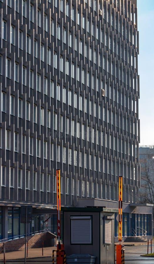 Vecchi edifici per uffici a Cracovia immagine stock