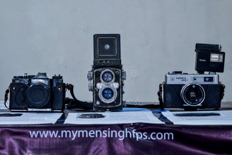 Vecchi macchina fotografica, lenti & Equipements immagine stock libera da diritti