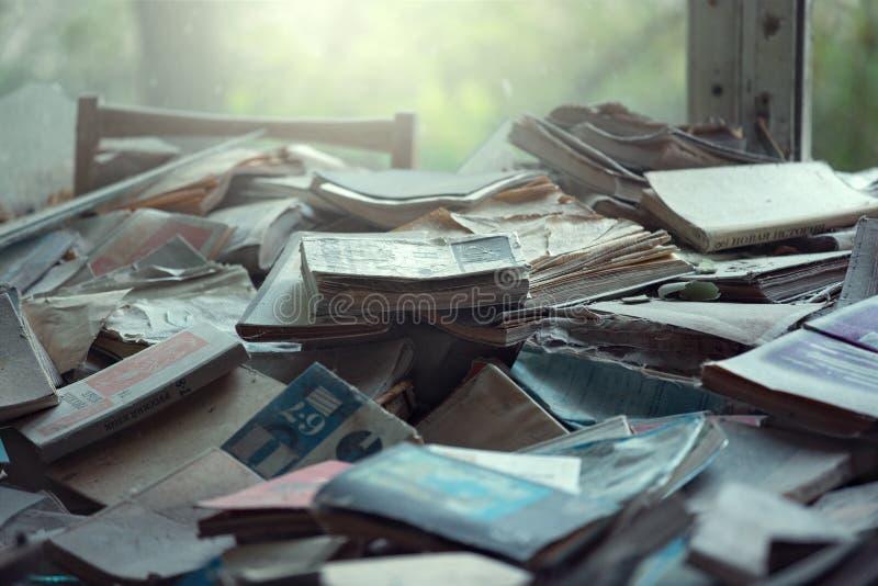 Vecchi manuali a scuola numero 3 di Pripyat immagine stock libera da diritti
