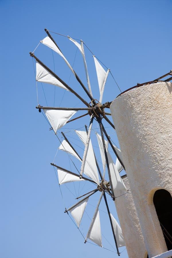 Vecchi mulini a vento fotografie stock
