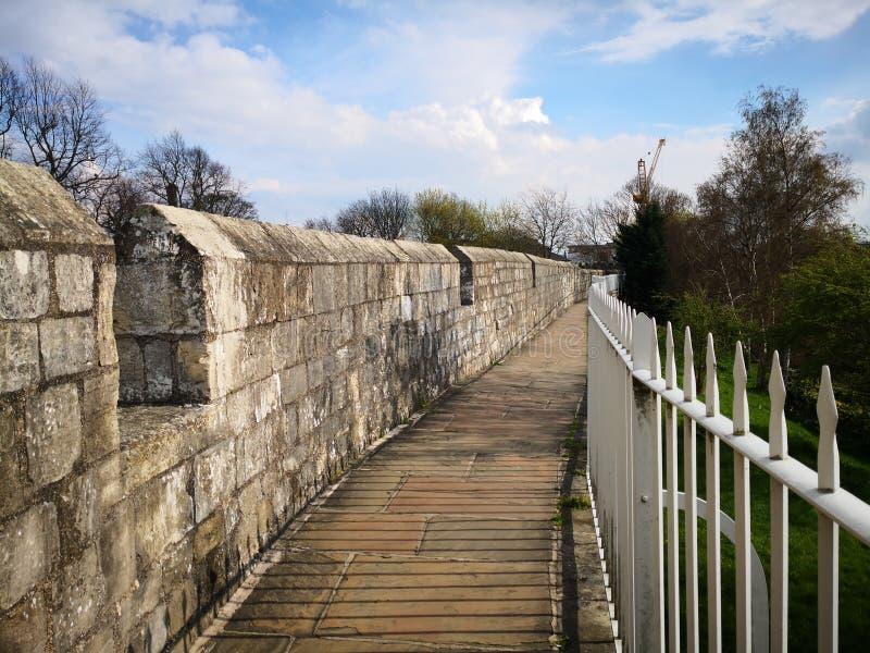 Vecchi mura di cinta Inghilterra di York fotografia stock libera da diritti