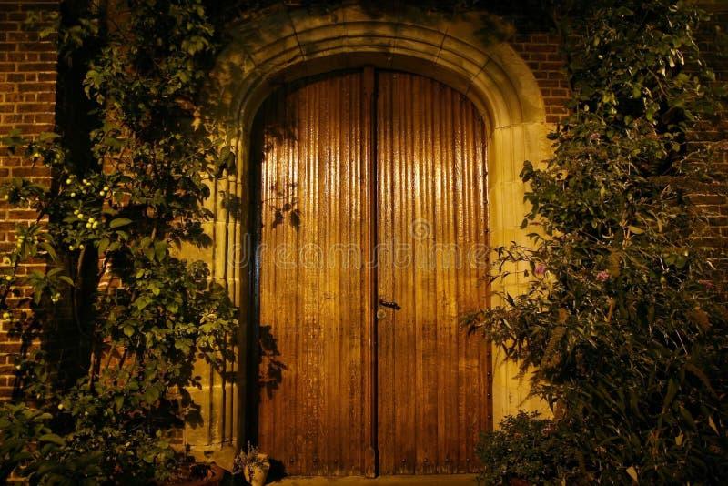 Vecchi portelli di legno. immagine stock libera da diritti