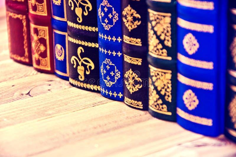 Vecchi retro libri d'annata fotografia stock