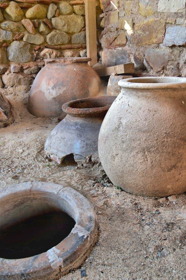 Vecchi scavi del vaso di argilla immagini stock libere da diritti