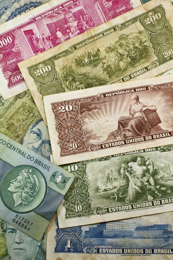 Vecchi soldi brasiliani immagine stock