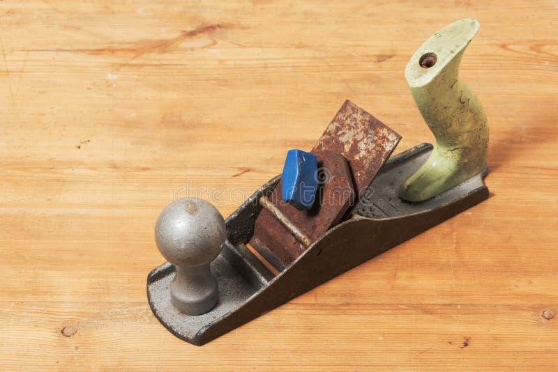 Vecchi strumenti Piallatrice del metallo Strumento del ` s del falegname immagine stock libera da diritti