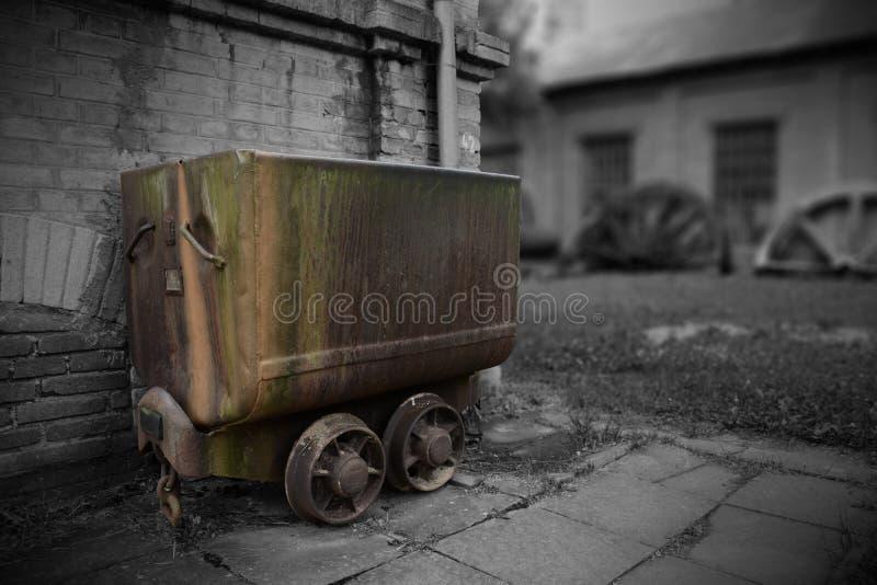 Vecchi veicoli estraenti immagine stock libera da diritti