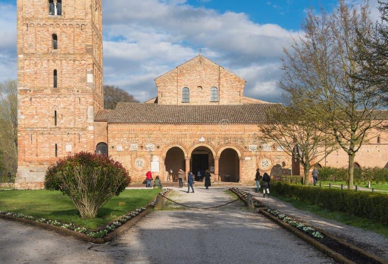 Vecchia abbazia italiana immagini stock