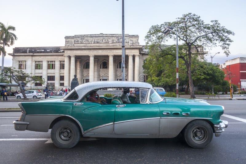 Vecchia automobile americana a Avana fotografia stock