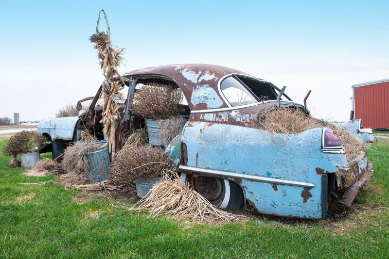 Vecchia automobile antica classica d'annata immagine stock
