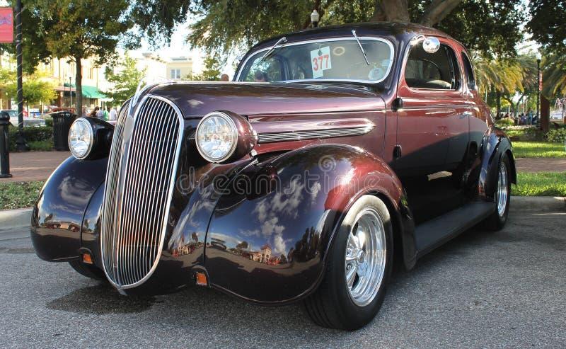 Vecchia automobile di Chrysler immagini stock