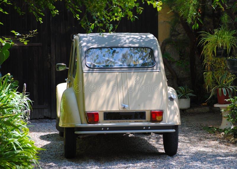 Vecchia automobile Viviers Francia di Citroen fotografia stock