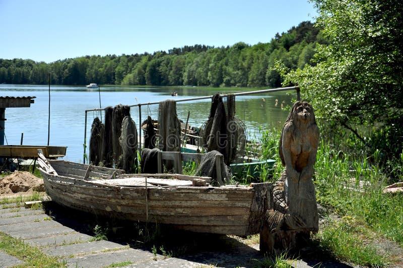 Vecchia barca dei pescatori della sirena immagini stock