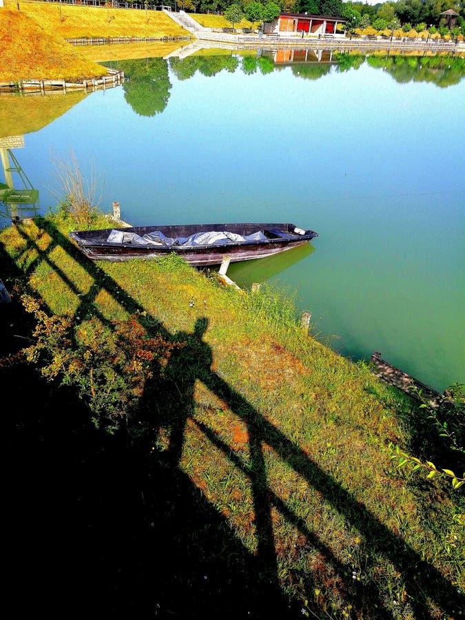 Vecchia barca di Abbandoned immagine stock libera da diritti