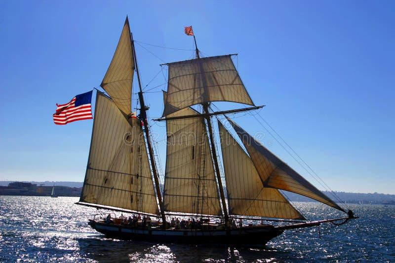 Download Vecchia barca a vela immagine stock. Immagine di acqua - 213399