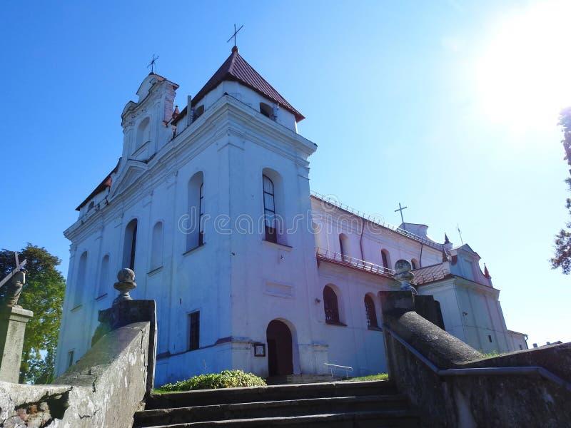 Vecchia bella chiesa cattolica, Lituania immagine stock