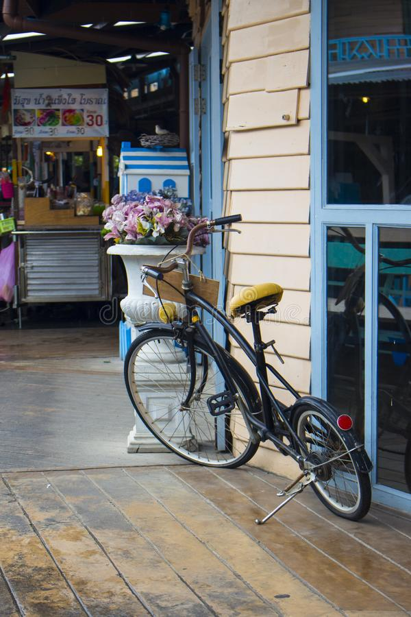 Vecchia bici immagine stock libera da diritti