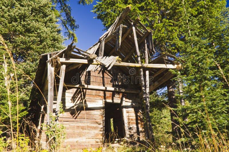 Vecchia cabina nel legno immagine stock