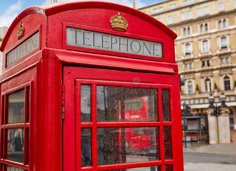 Foto Cabina Telefonica Di Londra : Vecchia cabina telefonica rossa di londra immagine stock