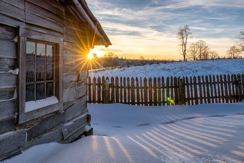 Vecchia cabina, tramonto di inverno, parco nazionale del Cumberland Gap immagine stock
