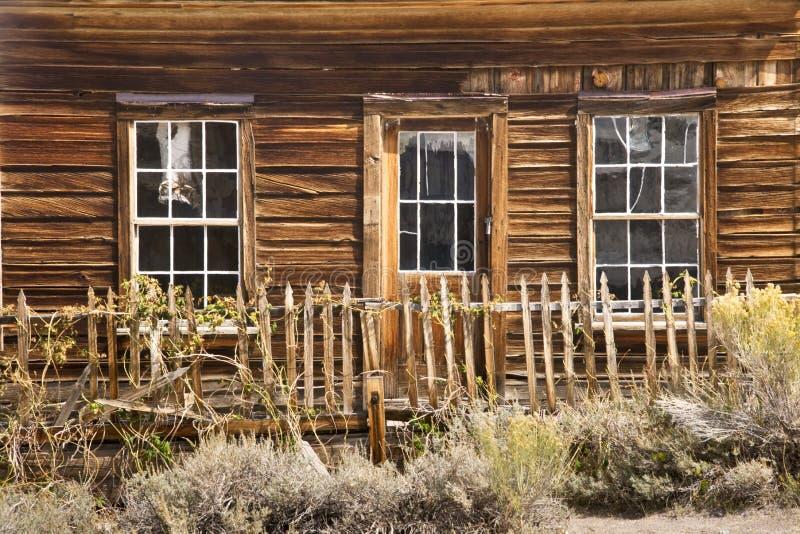 Vecchia Camera ad ovest rustica in una città fantasma fotografie stock libere da diritti