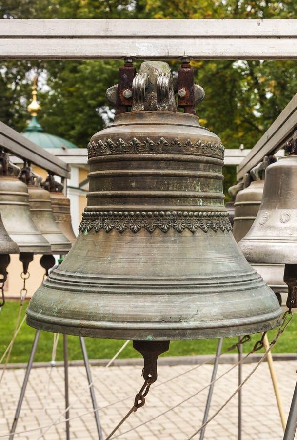 Vecchia campana di chiesa yaroslavl Federazione Russa 2017 fotografie stock libere da diritti