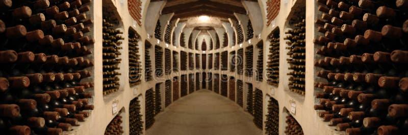 Vecchia cantina per vini immagini stock