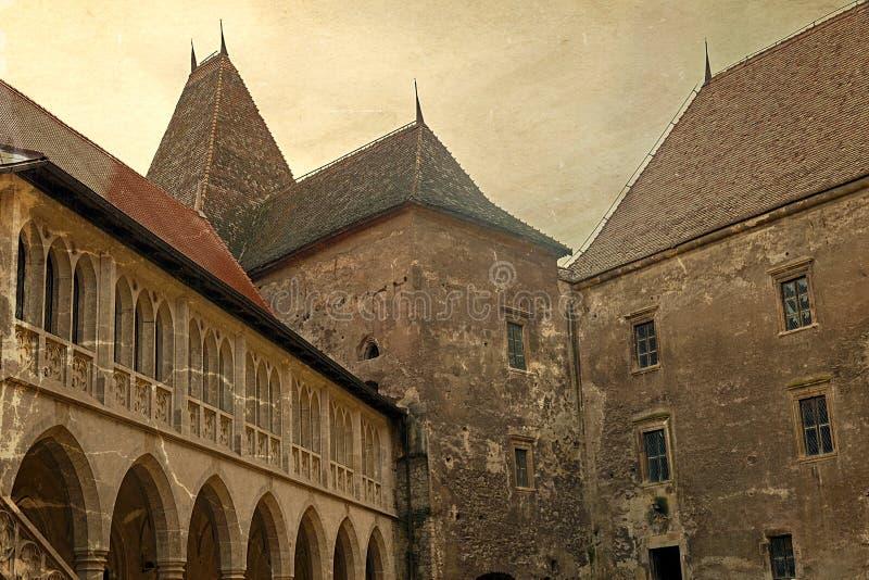 Vecchia cartolina con una vista di una parte dal castello 1 di Corvin fotografia stock