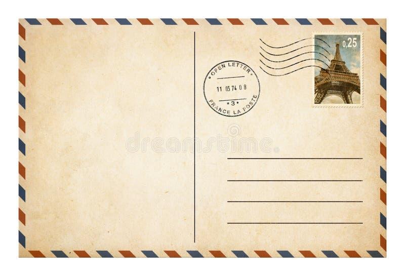 Vecchia cartolina o busta con il isolat del francobollo immagini stock libere da diritti
