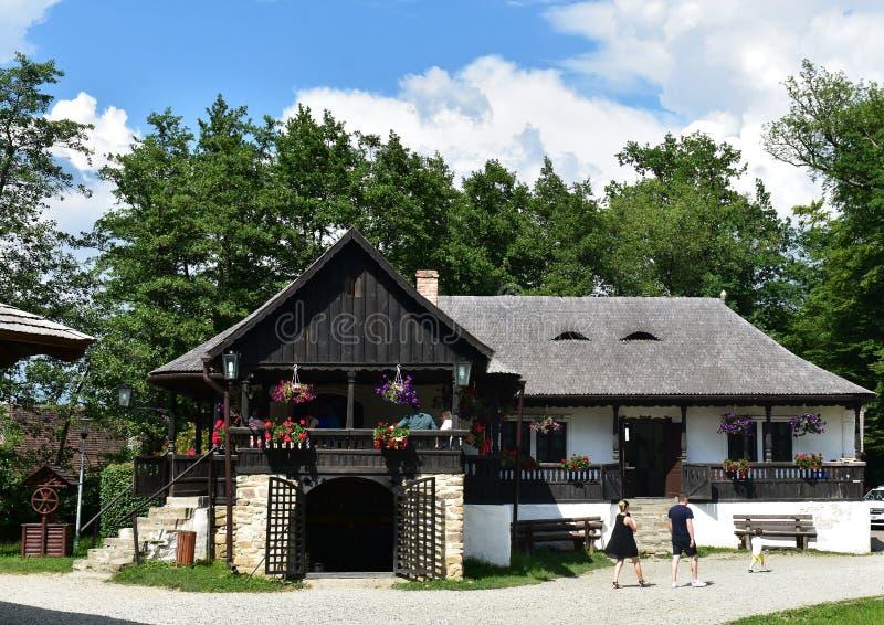 Vecchia casa agricola, al museo di Astra a Sibiu, la Romania fotografie stock libere da diritti