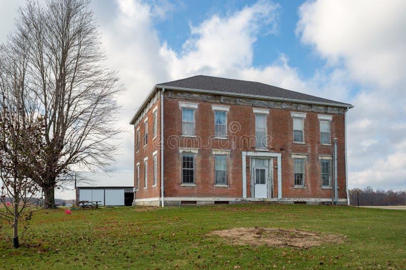 Vecchia casa dell'azienda agricola e della canonica in Indiana fotografia stock libera da diritti