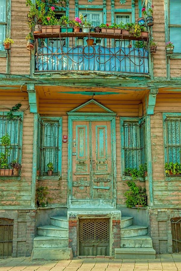 Vecchia casa della via di Costantinopoli fotografie stock libere da diritti